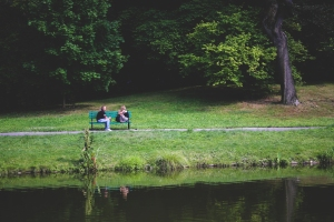bench-couple-love-people_1534x1023