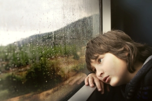 gazing-rain-window_1555x1037